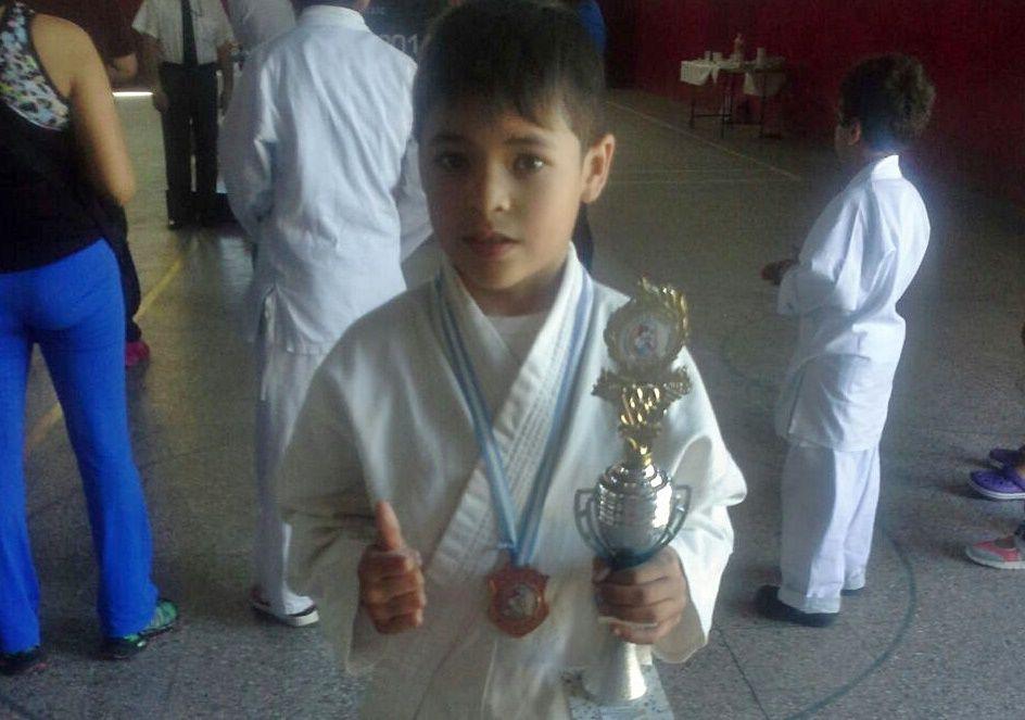 karateca-de-estudiantes-concordia
