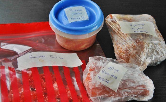 Alimentos etiquetados con cinta congelar