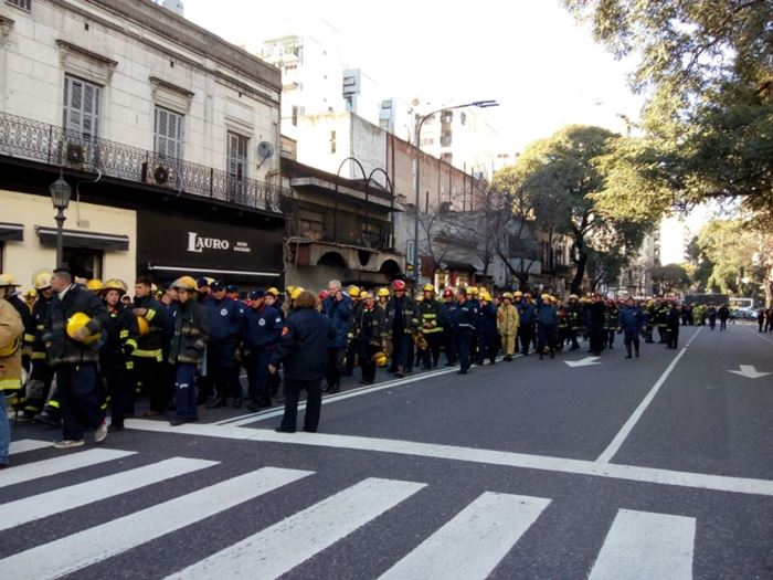 bomberos congreso protesta