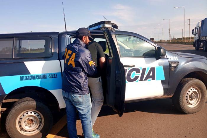 policia federal ruta 14 detenido